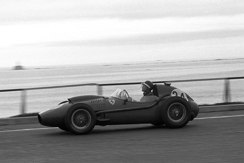 Mike Hawthorn, Ferrari Dino 246, Grand Prix of Portugal, Boavista, 24 August 1958. (Photo by Bernard Cahier/Getty Images)