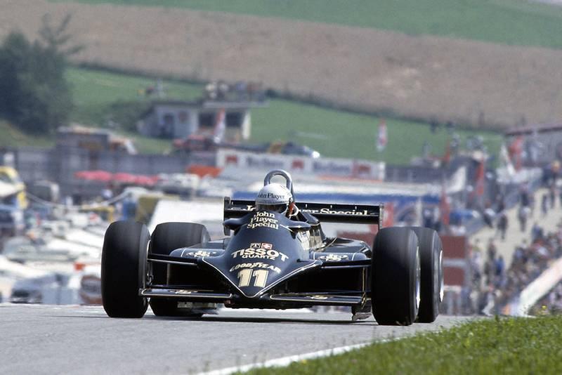 Elio de Angelis driving a Lotus 87-Ford Cosworth.