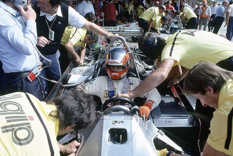 Gilles Villeneuve (Ferrari 126CK), retired in the pits.