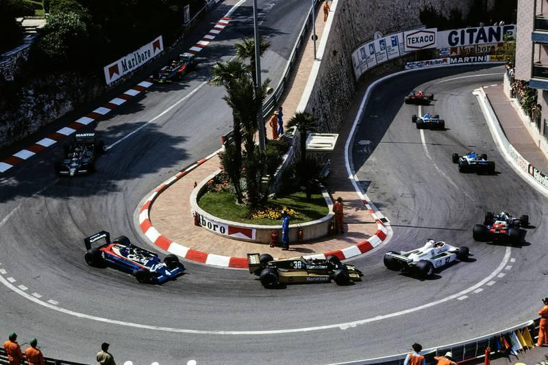 The field negotiates the Loews hairpin, 1979 Monaco Grand Prix.