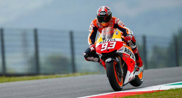 Marquez and Dunlop: on the same curve