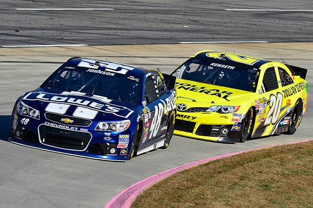 Jimmie Johnson poised for sixth title