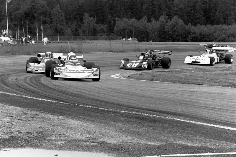 David Purley follows the leading pack of Ronnie Peterson, Carlos Jarque, Patrick Depailler at Anderstop F2 Sweden 1974