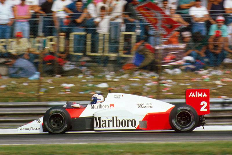 Alain Prost in 1st position.