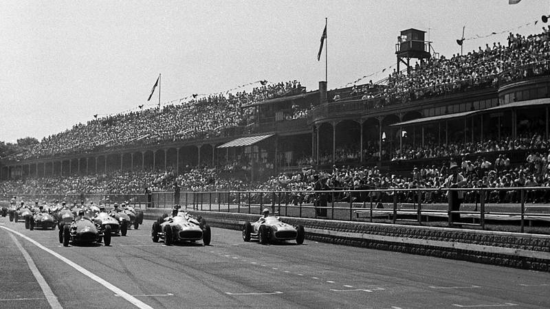 The F1 grid at Aintree ahead of the start of the 1955 British Grand Prix