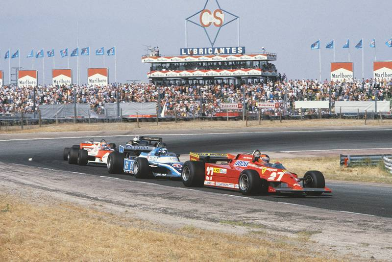 Gilles Villeneuve (Ferrari 126CK) leads Jacques Laffite (Ligier JS17-Matra), John Watson (McLaren MP4/1-Ford Cosworth), Carlos Reutemann (Williams FW07C-Ford Cosworth) and Elio de Angelis (Lotus 87-Ford Cosworth).