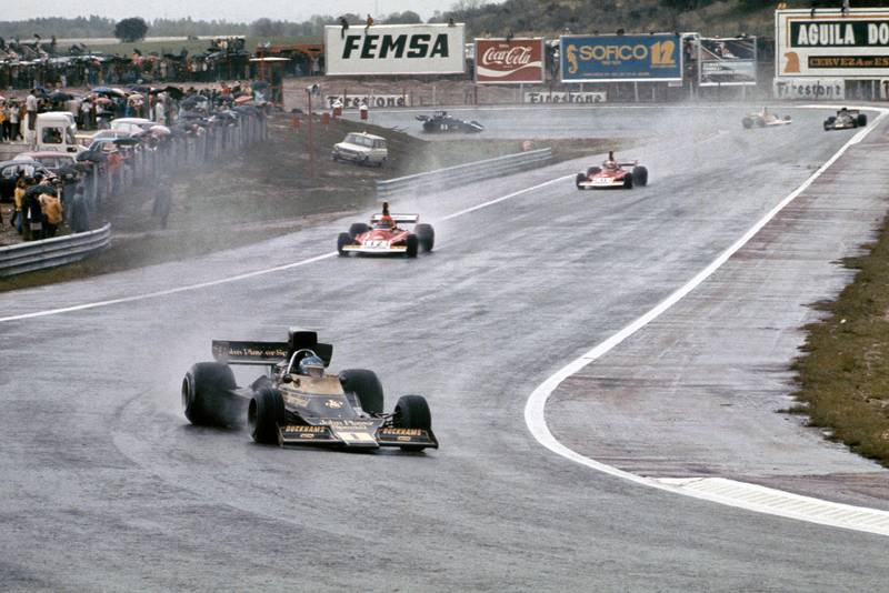 Ronnie Peterson leads Niki Lauda