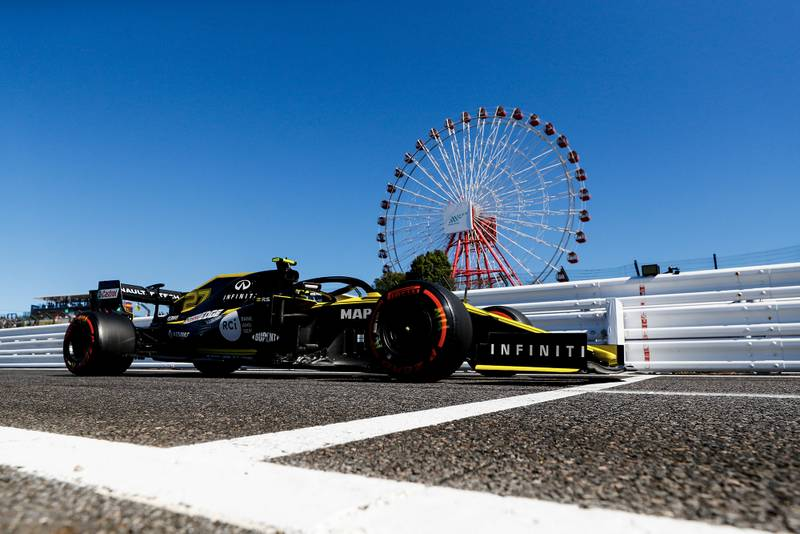 Nico Hulkenberg's Renault in front of Suzuka's big wheel at the 2019 Japanese Grand Prix
