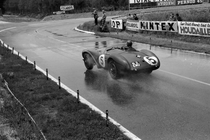 Peter Whitehead in the Aston Martin DB3S