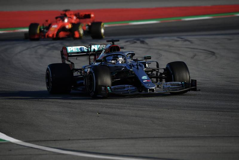 Lewis Hamilton followed by a Ferrari in 2020 F1 preseason testing