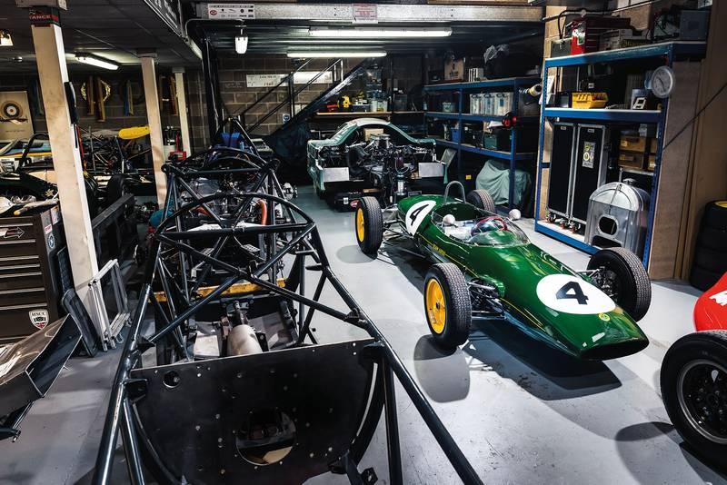 Lotus 22 garage