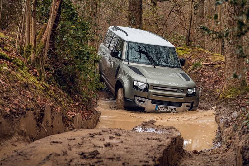 2020-Land-Rover-Defender-wading-off-road