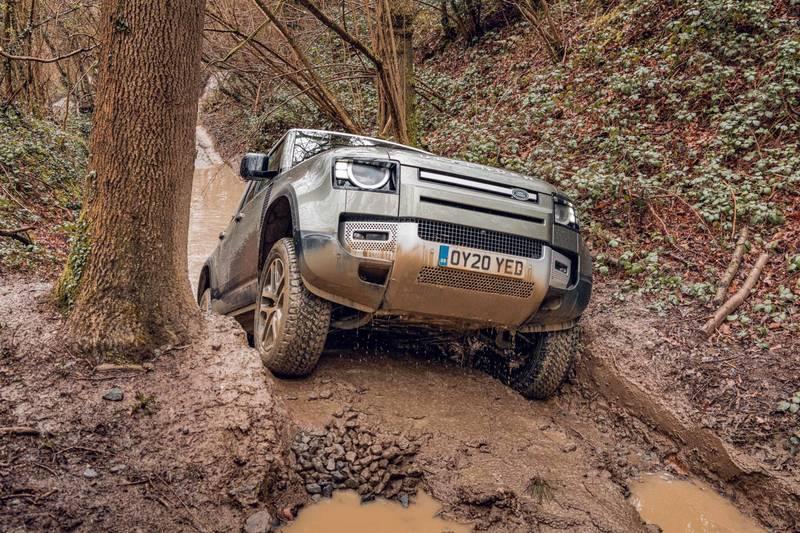 Land-Rover-Defender-off-road