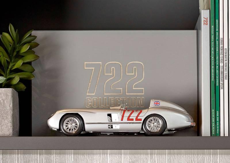 Sir Stirling Moss Legendary 722 signed box set