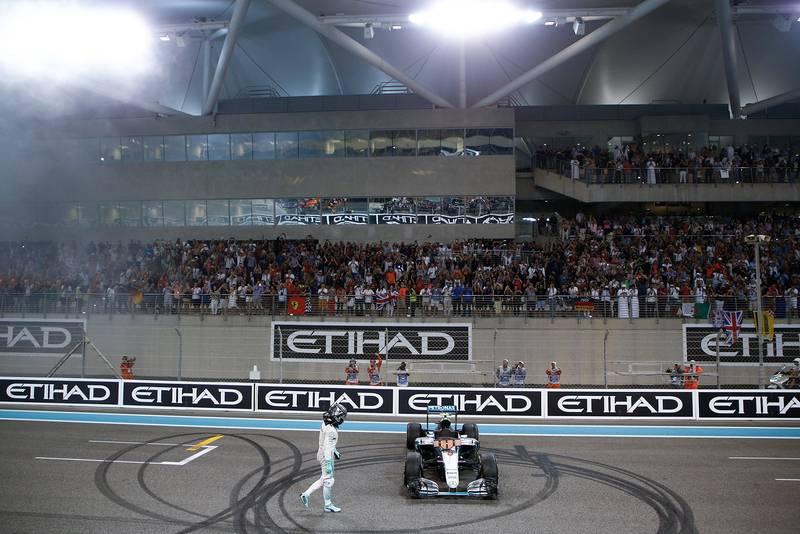 Nico Rosberg celebrates winning the 2016 F1 championship at the Abu Dhabi Grand Prix