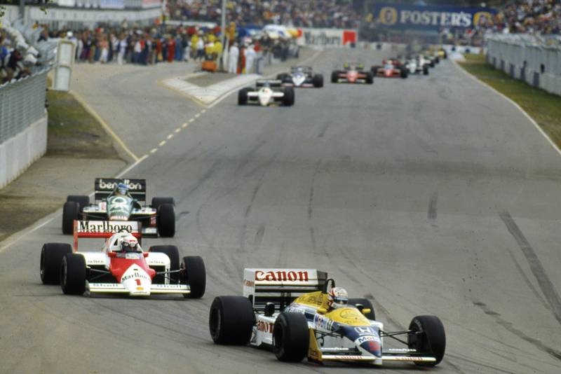 Nigel Mansell leads in the 1986 Australian Grand Prix