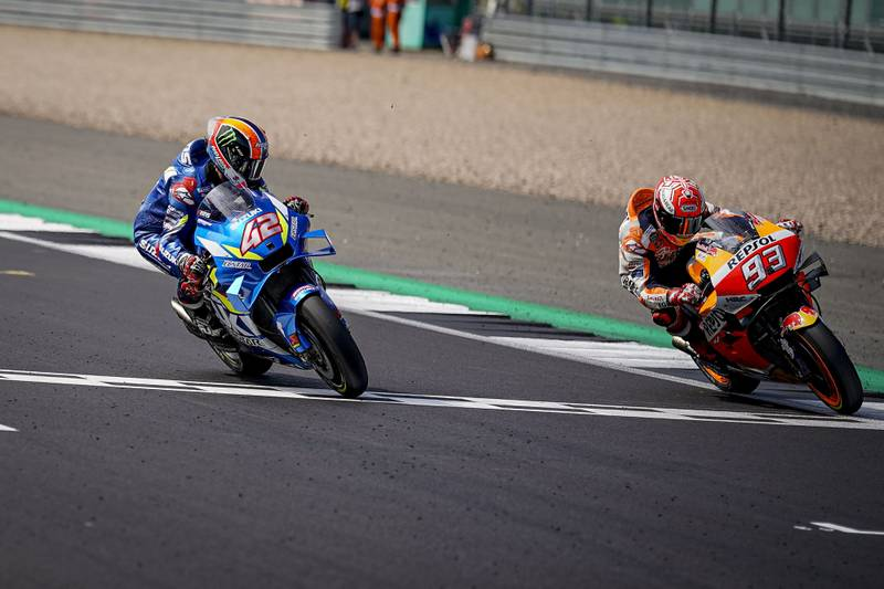 Alex Rins beats Marc Marquez at Silverstone in 2019