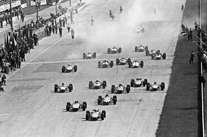 Start of the 1967 Italian GP