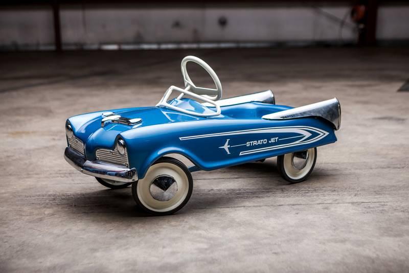 Strato Jet pedal car