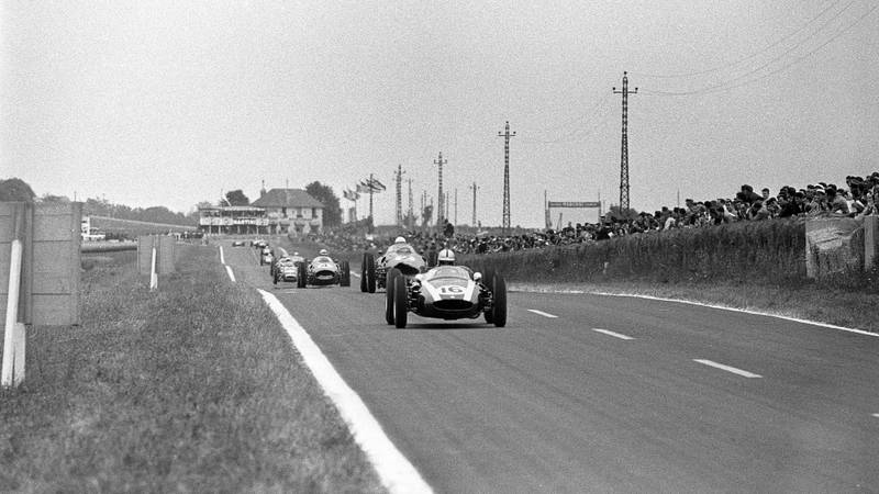 Jack Brabham leads Phil Hill in the 1960 Grand Prix of France