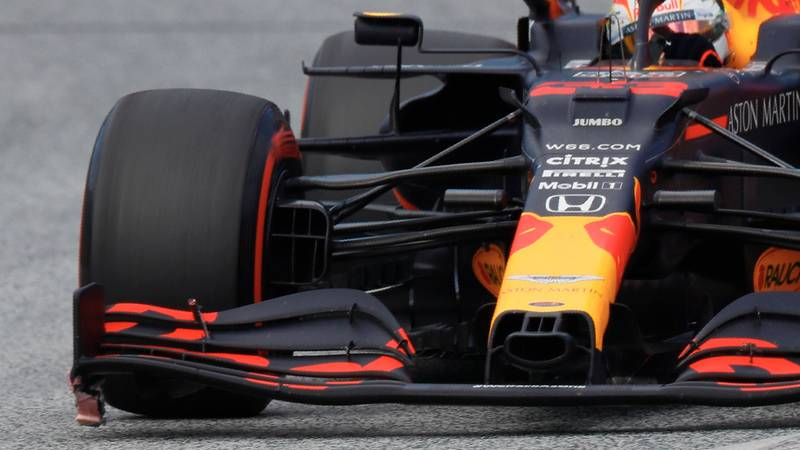 Max Verstappen with a damaged front wing during the 2020 F1 Styrian Grand Prix