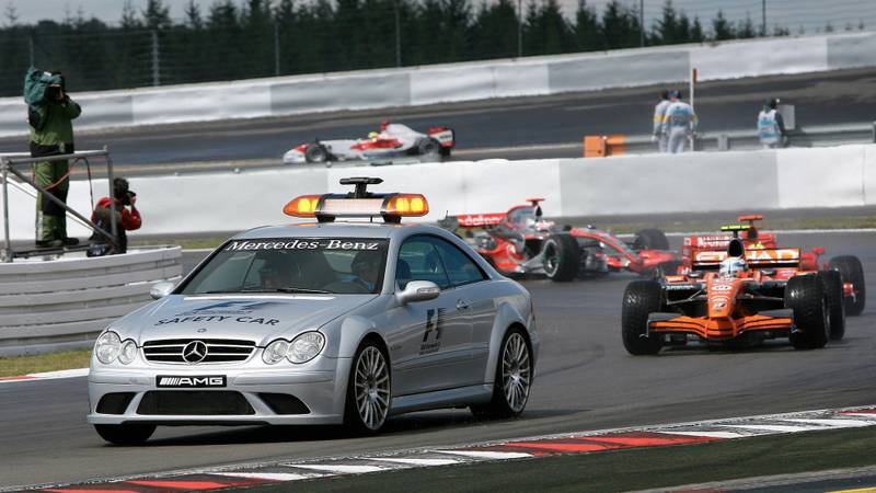 Markus Winkelhock leads the field behind the safety car at the 2007 European F1 Grand Prix at the Nurburgring