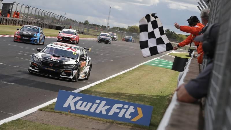 Dan Cammish wins the opening 2020 BTCC race at Donington Park