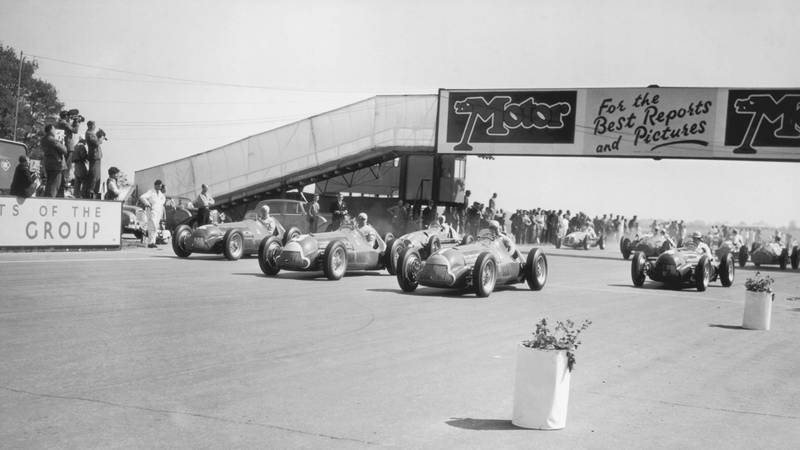 Start-of-the-1950-British-Grand-Prix-at-Silverstone