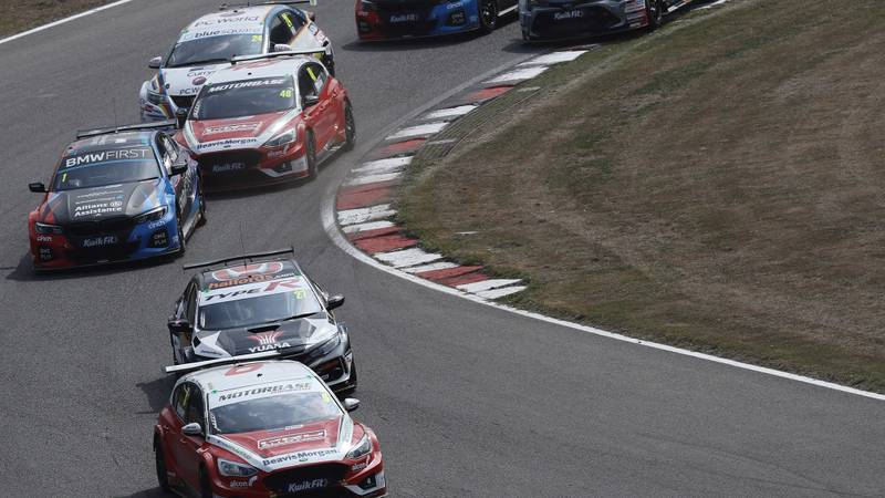Rory Butcher leads Dan Cammish and Colin Turkington in the 2020 Brands Hatch GP BTCC meeting
