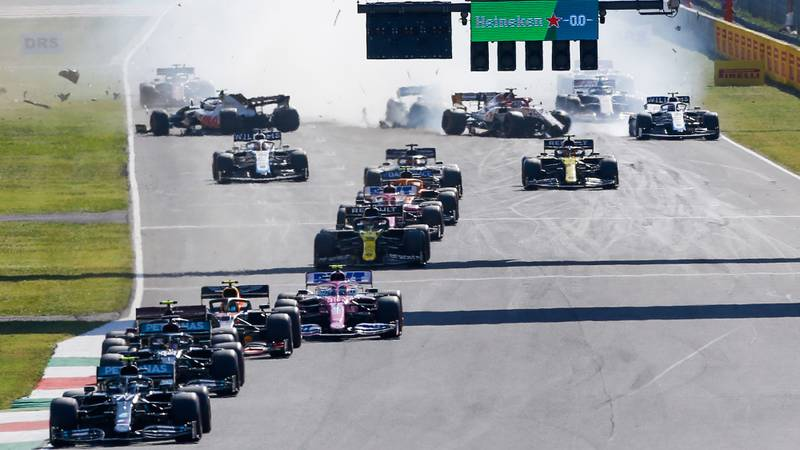 Valtteri Bottas leads the 2020 F1 Tuscan Grand Prix at Mugello at the safety car restart as Kevin Magnussen, Antonio Giovinazzi and Carlos Sainz crash behind him
