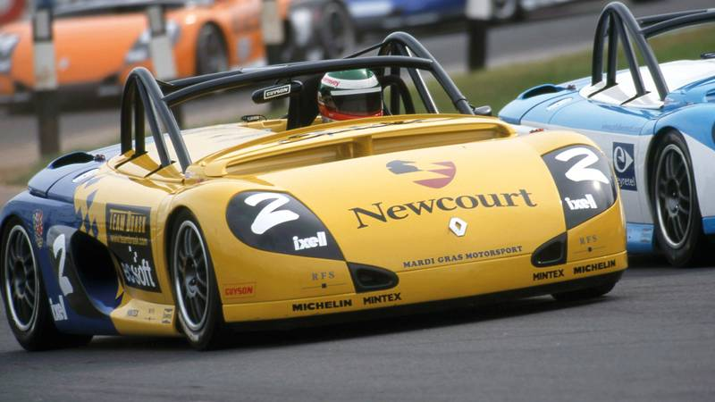 Andy Priaulx races a Renault Sport Spider