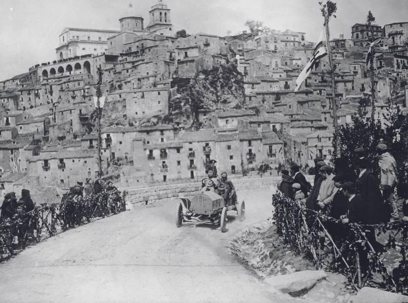 Maurice Fabry in an Itala, in the Targa Florio race, Sicily, 1907.