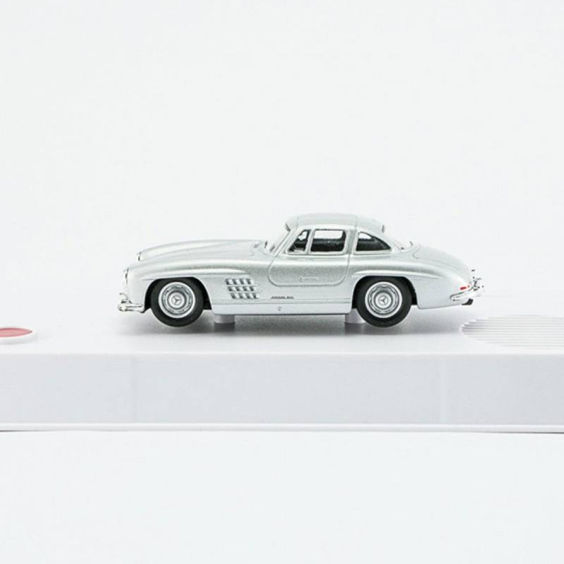 Mercedes-300-SL-model-from-advent-calendar