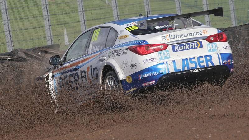 Ash Sutton crashes during qualifying at the 2020 BTCC Croft round