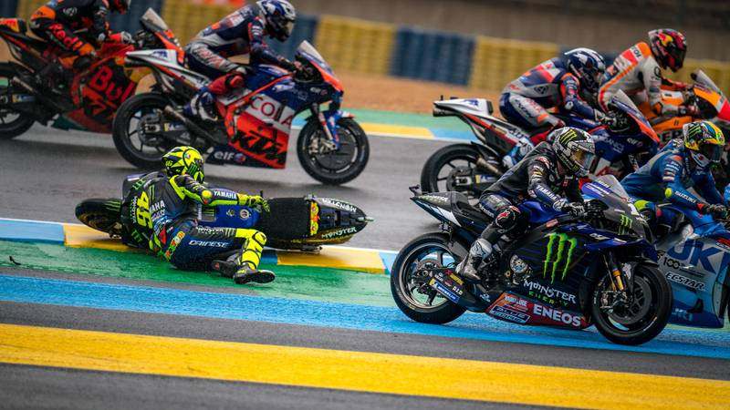 Valentino Rossi crashes out of the 2020 MotoGP French Grand Prix at Le Mans