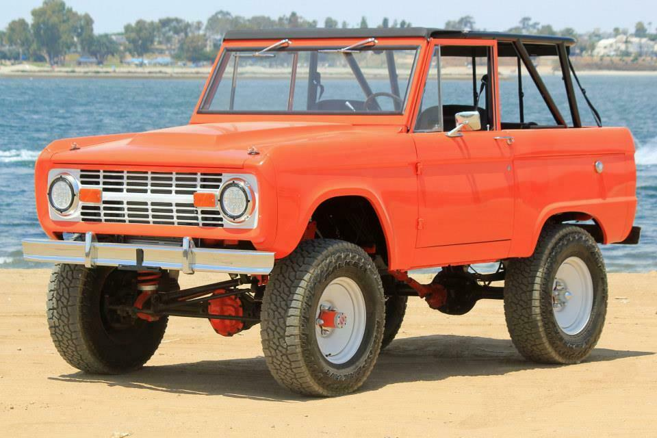 1973 Ford Bronco Luber Lifted Un Cut 302 V8 (Loaded with Options)